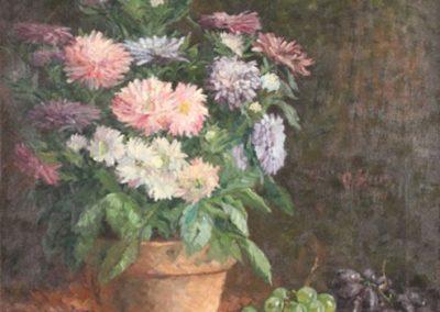 """Das Gemälde zeigt ein """"Stillleben mit Blumen und Trauben""""."""