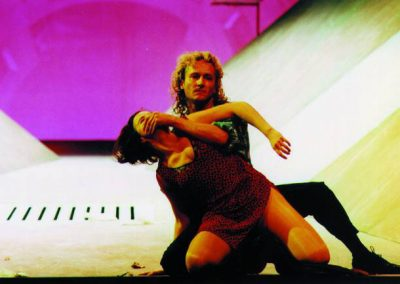 """Eine Szene aus Brechts """"Dreigroschenoper"""", inszeniert durch das Theater Koblenz."""