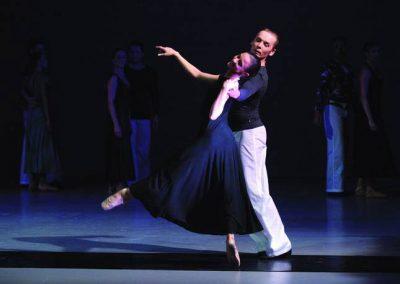 """Eine Ballettszene aus """"Südliche Nächte"""", inszeniert durch das Theater Koblenz."""